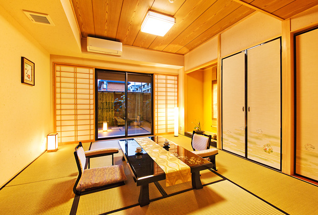 Japanese Room (maximum 4 persons)with private own modern rock-garden